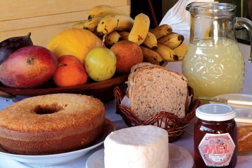 http://quemeabola.files.wordpress.com/2009/09/cafe-da-manha-com-saude.jpg